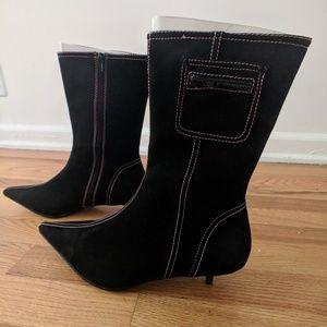 Newport news kitten heels suede
